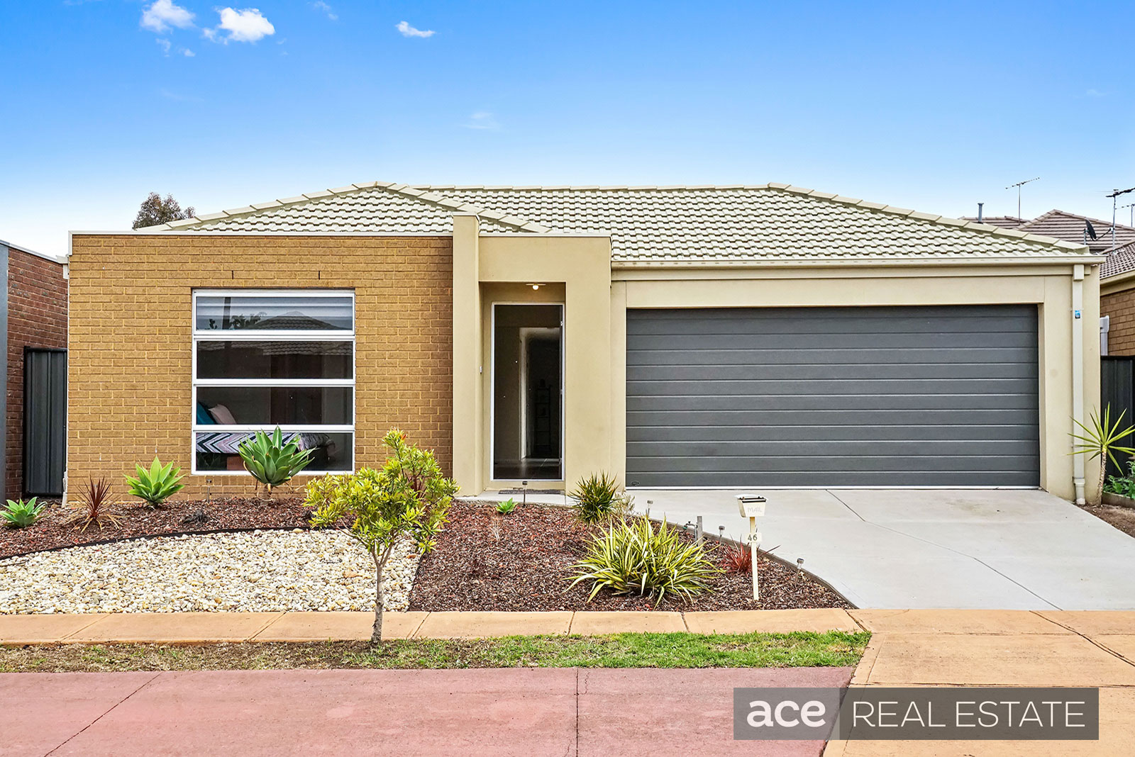 46 Linsday Gardens POINT COOK VIC 3030